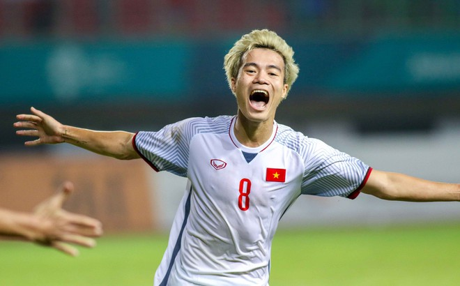 """Thầy Park sẽ đánh bại Thái Lan nhờ """"món quà"""" cuối của HLV Hữu Thắng?"""