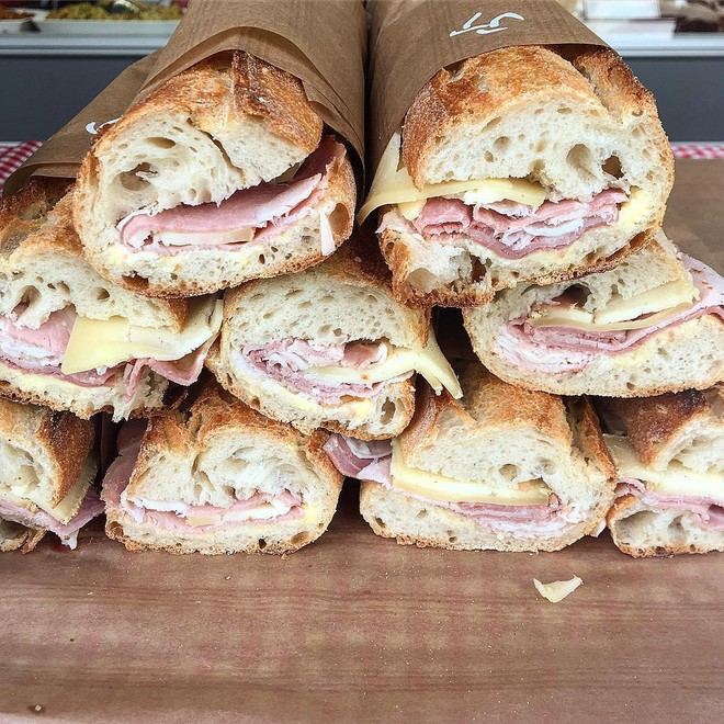 Trong 16 loại bánh mì ngon xuất sắc trên thế giới, bánh mì Việt khác biệt thế nào? - Ảnh 8.