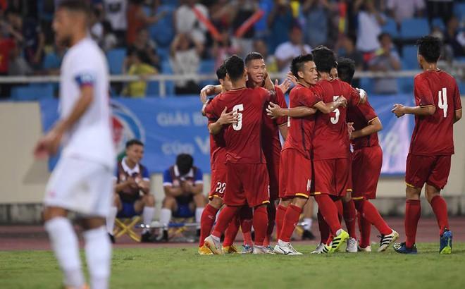 """Công Phượng rực sáng, U23 Việt Nam hóa """"cơn lốc đỏ"""" thổi bay Palestine"""
