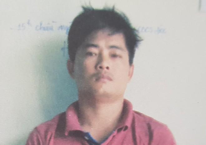 Đề nghị truy tố nhóm 10 người chở hàng lậu vây đánh cảnh sát bị thương - Ảnh 1.
