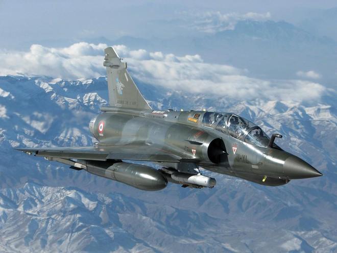 Việt Nam mua hụt 24 tiêm kích Mirage-2000 từ Pháp: Cơ hội mở ra với tiêm kích Sukhoi Nga - Ảnh 1.