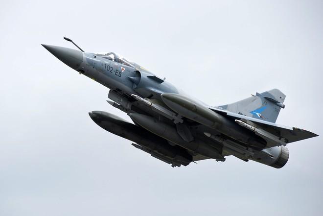 Việt Nam mua hụt 24 tiêm kích Mirage-2000 từ Pháp: Cơ hội mở ra với tiêm kích Sukhoi Nga - Ảnh 5.