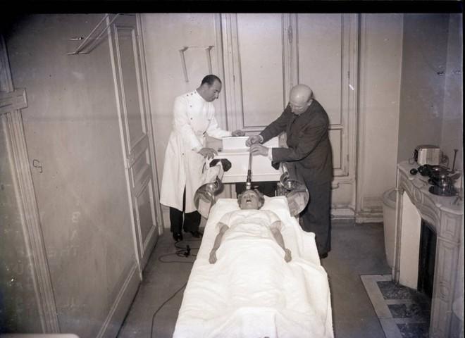 Những tấm hình ám ảnh trong bệnh viện tâm thần 50 năm trước - Ảnh 14.