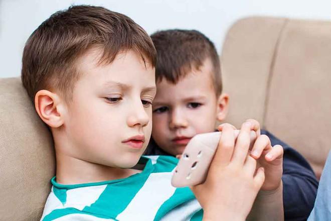 Từ Mỹ về quê chơi nhưng quên đổi SIM, gia đình gốc Việt bị sốc 3G với 300 triệu đồng tiền phí - Ảnh 3.