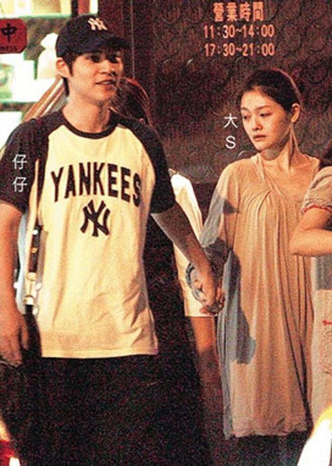 Châu Du Dân: Chàng lãng tử Vườn sao băng lận đận tình duyên, hết chúc phúc người yêu đi lấy chồng đến tiễn bạn gái cũ về nơi an nghỉ - Ảnh 8.