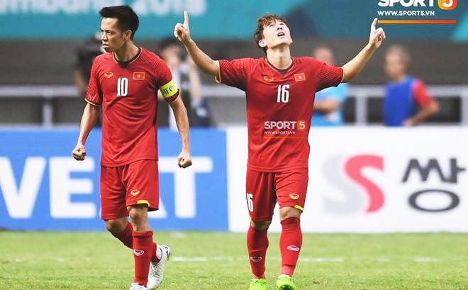 Bàn tay nắm chặt của Văn Quyết và những biểu cảm khiến CĐV nhớ mãi về U23 Việt Nam
