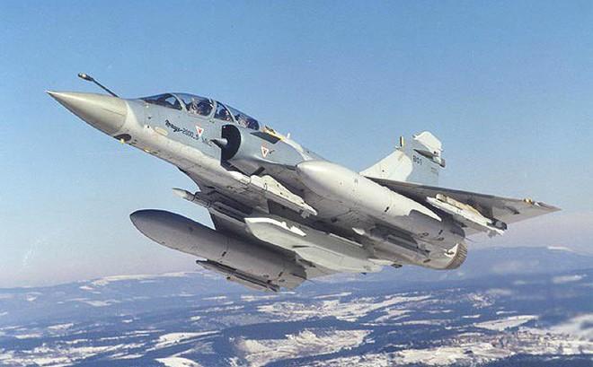 """Việt Nam """"lỡ hẹn"""" với 24 tiêm kích Mirage-2000 từ Pháp: Cơ hội mở ra với tiêm kích Sukhoi Nga"""