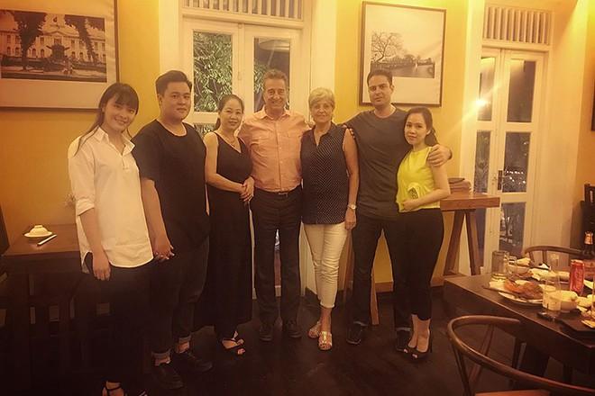 Chuyện tình thú vị của nữ diễn viên lùn nhất showbiz Việt và chàng Tây cao gần 2m - Ảnh 10.