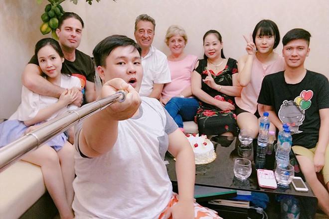 Chuyện tình thú vị của nữ diễn viên lùn nhất showbiz Việt và chàng Tây cao gần 2m - Ảnh 11.