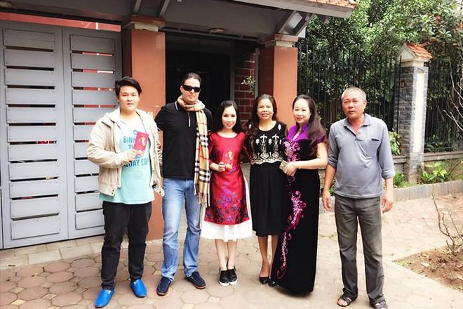 Chuyện tình thú vị của nữ diễn viên lùn nhất showbiz Việt và chàng Tây cao gần 2m - Ảnh 12.