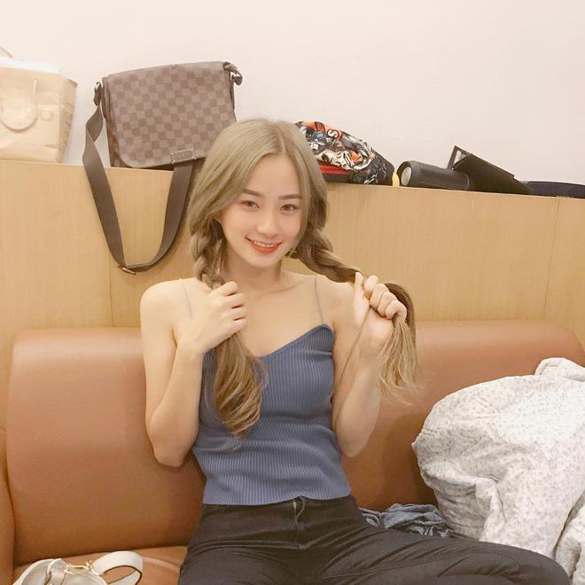 Hot girl Thái Lan sinh năm 1997 có gương mặt xinh xắn giống hệt Krystal (Fx) - Ảnh 11.