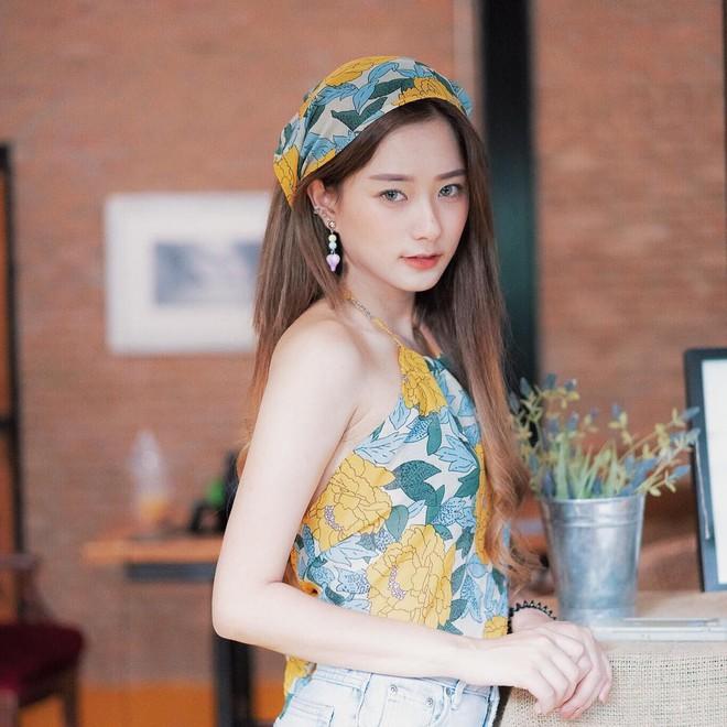 Hot girl Thái Lan sinh năm 1997 có gương mặt xinh xắn giống hệt Krystal (Fx) - Ảnh 4.