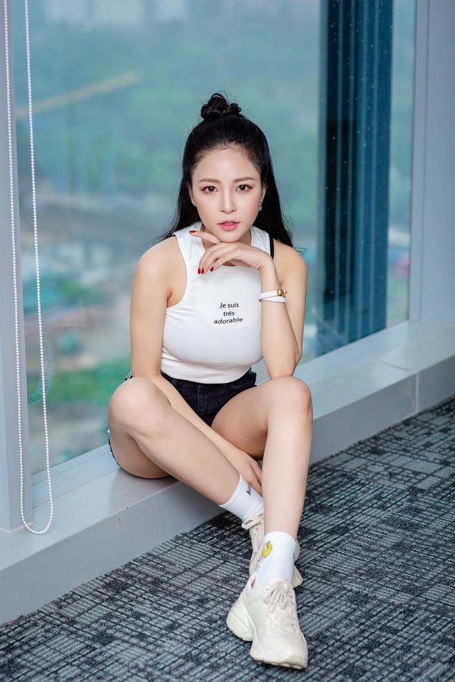 Hot girl Trâm Anh: Bị stress, không dám ra đường sau ồn ào với PewPew - Ảnh 6.