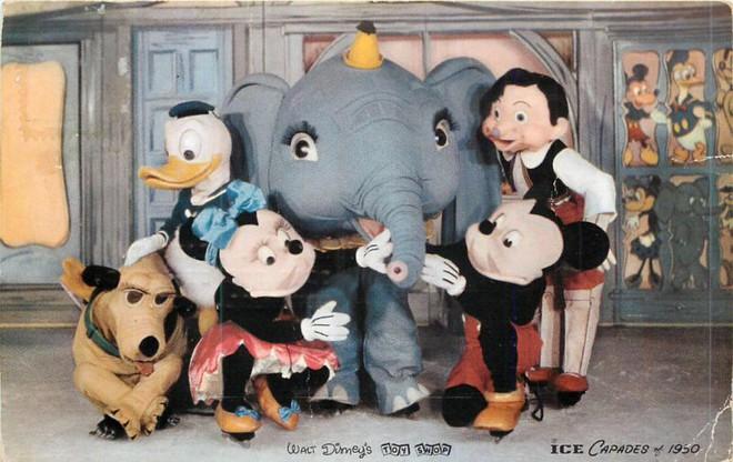 Những hình ảnh chứng minh ngày xưa Disneyland là chỗ để hù dọa trẻ con khóc thét chứ chẳng phải chốn thần tiên hạnh phúc gì - Ảnh 15.
