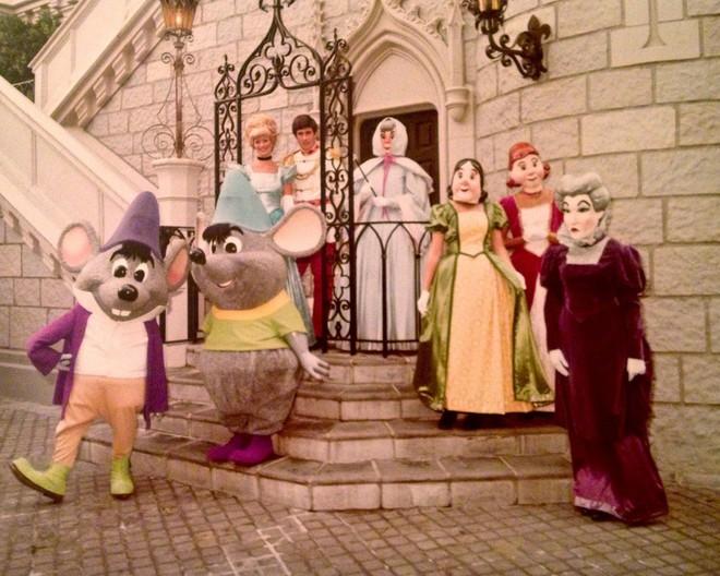 Những hình ảnh chứng minh ngày xưa Disneyland là chỗ để hù dọa trẻ con khóc thét chứ chẳng phải chốn thần tiên hạnh phúc gì - Ảnh 22.