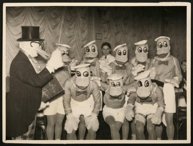 Những hình ảnh chứng minh ngày xưa Disneyland là chỗ để hù dọa trẻ con khóc thét chứ chẳng phải chốn thần tiên hạnh phúc gì - Ảnh 24.