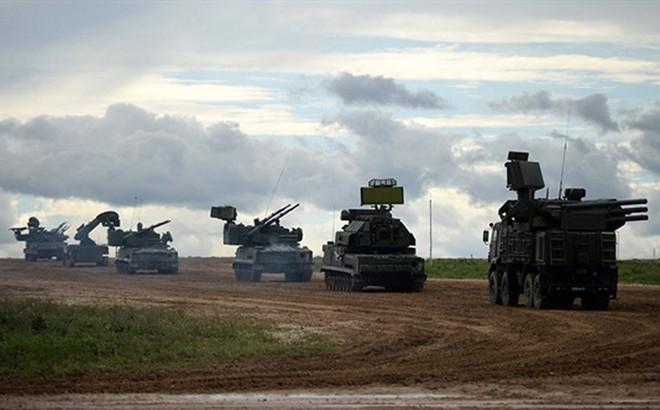 """Tên lửa S-300 """"mini"""" có mặt ở Syria: Nga chở củi về rừng hay điều quân chiến lược?"""