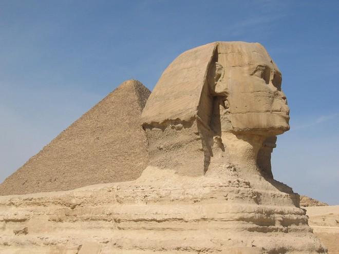 Phát hiện bức tượng Nhân Sư thứ hai nằm trong lòng đất Ai Cập - Ảnh 2.