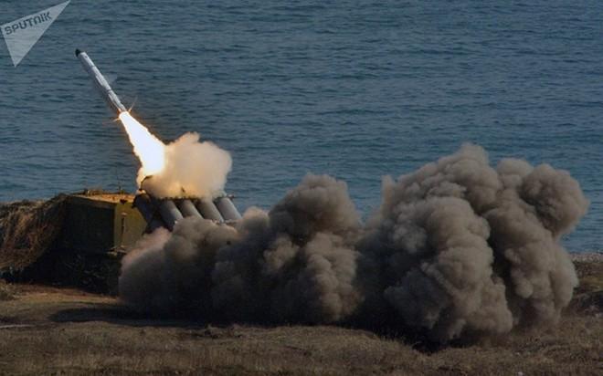 """""""Sát thủ"""" Iskander Nga gây khiếp đảm Mỹ-NATO cả trên mặt đất và biển - Ảnh 3."""