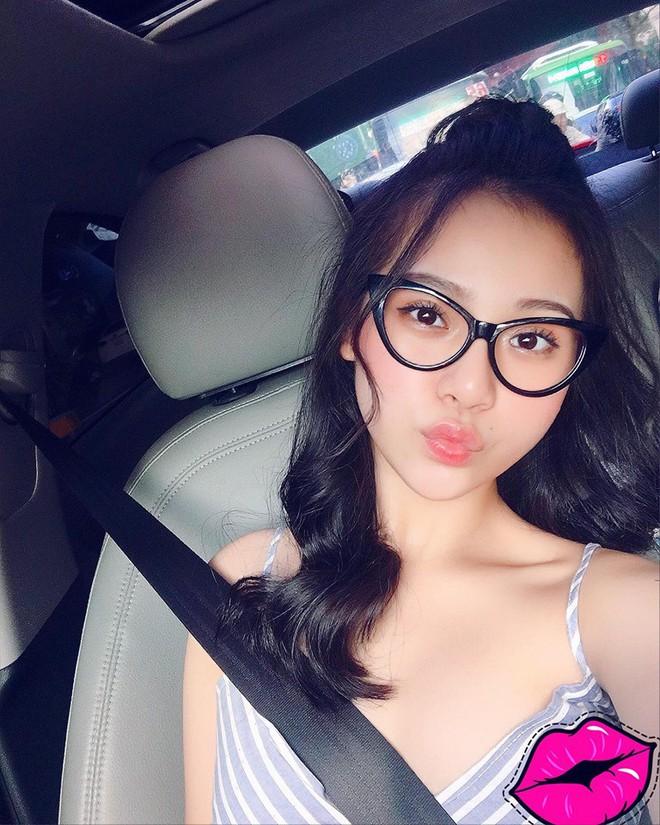 Nhan sắc xinh đẹp của em gái mưa đang gây sốt màn ảnh Việt - Ảnh 5.