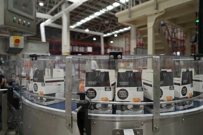 Nestlé nâng cao giá trị hạt cà phê Việt với dây chuyền sản xuất viên nén Nescafé Dolce Gusto - Ảnh 4.