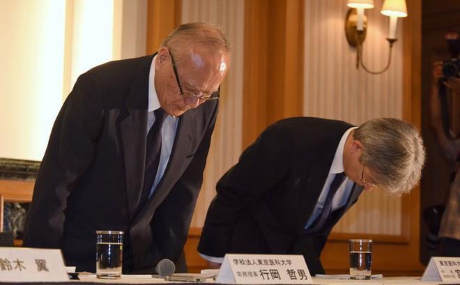Nhật Bản: Bê bối sửa điểm trong hơn 10 năm tại Đại học Y Tokyo nhằm loại bớt sinh viên nữ và tăng số lượng bác sĩ nam tương lai