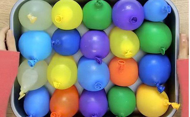 Cho nước vào bóng bay rồi để vào ngăn đá, bạn sẽ có thứ tuyệt vời dành cho các bữa tiệc