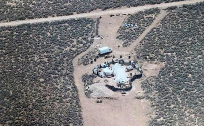 11 đứa trẻ bị giam giữ ở sa mạc hẻo lánh để huấn luyện thành sát thủ ở Mỹ