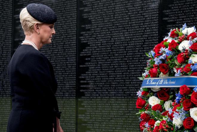 Con gái TNS John McCain ngầm chỉ trích ông Trump trong điếu văn tang cha - Ảnh 12.