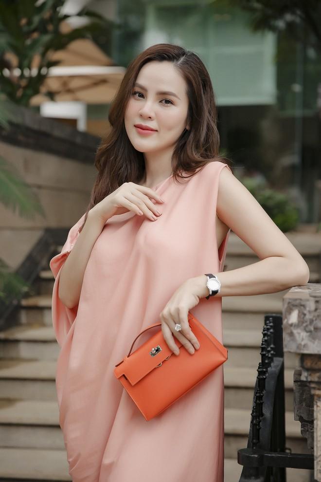 Hoa hậu Phương Lê liều lĩnh mặc đụng hàng Tăng Thanh Hà, Angela Phương Trinh - Ảnh 2.