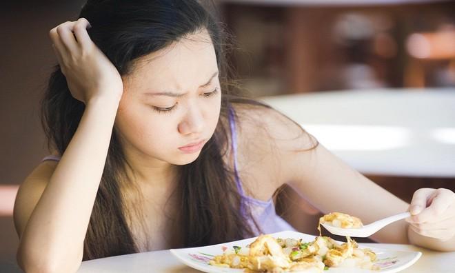 7 sai lầm trong khi ăn khiến đường tiêu hóa bị rối loạn, sinh bệnh: Có thể bạn cũng mắc! - Ảnh 5.
