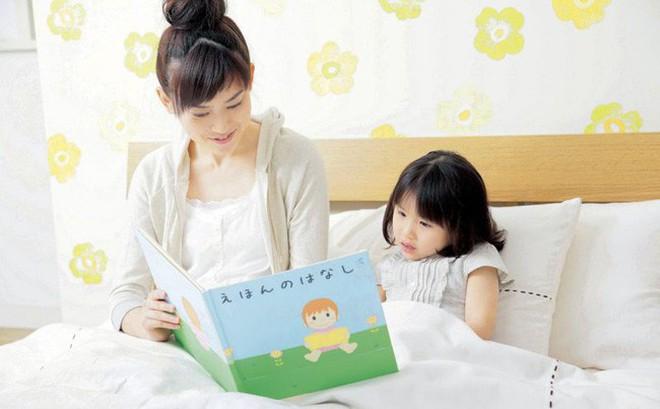 Làm thẻ thư viện cho con từ 3 tháng tuổi và những điều tạo nên sự khác biệt trong cách dạy con của cha mẹ Nhật