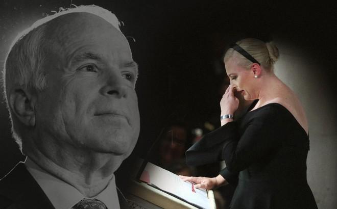 """Con gái TNS John McCain """"ngầm chỉ trích"""" ông Trump trong điếu văn tang cha"""
