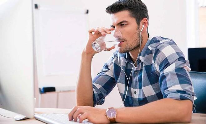 Uống nước khi bụng rỗng: Cơ thể nhận được 7 lợi ích thần kỳ nhờ thải độc, tu sửa tế bào - Ảnh 6.