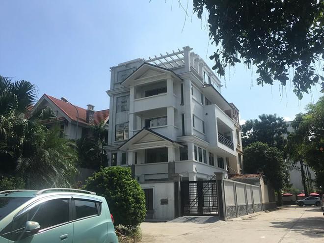 Khu đô thị Mễ Trì Hạ: Xuất hiện nhiều biệt thự có kiến trúc, chiều cao 'bất thường'? - Ảnh 2.