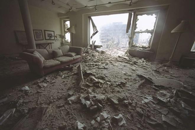 [ẢNH] Những bức hình đột nhiên biến mất, mới tìm lại được về vụ khủng bố 11/9 - Ảnh 10.