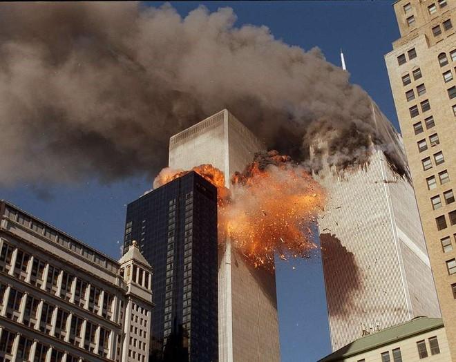 [ẢNH] Những bức hình đột nhiên biến mất, mới tìm lại được về vụ khủng bố 11/9 - Ảnh 11.