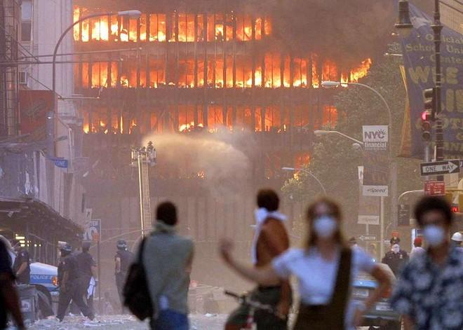 [ẢNH] Những bức hình đột nhiên biến mất, mới tìm lại được về vụ khủng bố 11/9 - Ảnh 18.