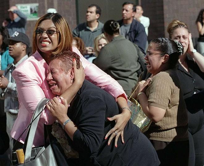 [ẢNH] Những bức hình đột nhiên biến mất, mới tìm lại được về vụ khủng bố 11/9 - Ảnh 20.