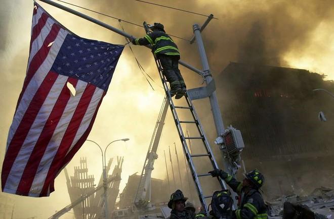 [ẢNH] Những bức hình đột nhiên biến mất, mới tìm lại được về vụ khủng bố 11/9 - Ảnh 27.