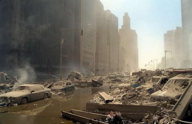 [ẢNH] Những bức hình đột nhiên biến mất, mới tìm lại được về vụ khủng bố 11/9 - Ảnh 28.