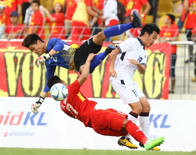 Duy Mạnh, Văn Toàn đủ điều kiện tham dự SEA Games 30, chờ phục thù cho Công Phượng, Xuân Trường - Ảnh 2.