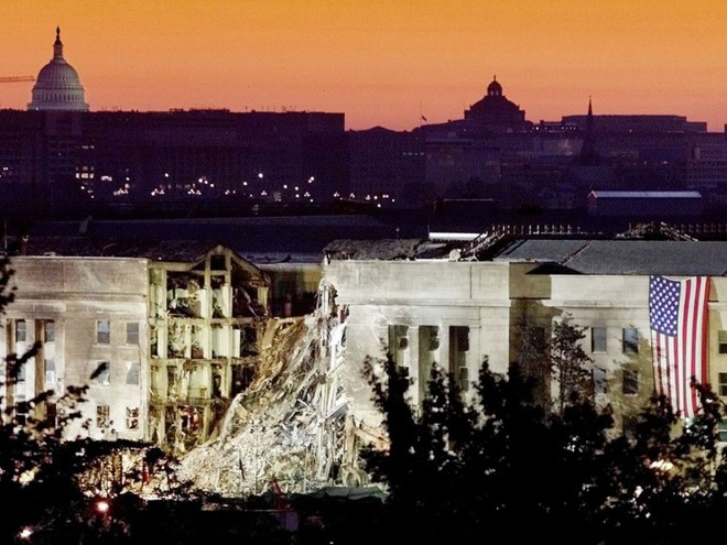 23 bức ảnh nhuốm màu đau thương vụ khủng bố 11/9 - Ảnh 19.