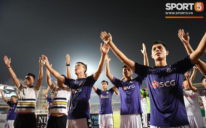 Hà Nội FC, chức vô địch V-League và những thứ không thể mua được bằng tiền