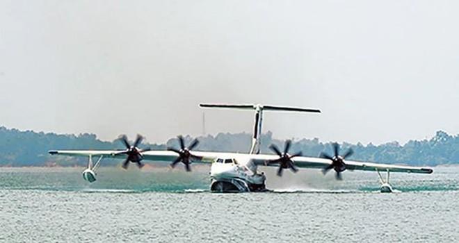 Chuyên gia cảnh báo: Thủy phi cơ nội địa đầu tiên của TQ có thể khiến Biển Đông dậy sóng - Ảnh 1.