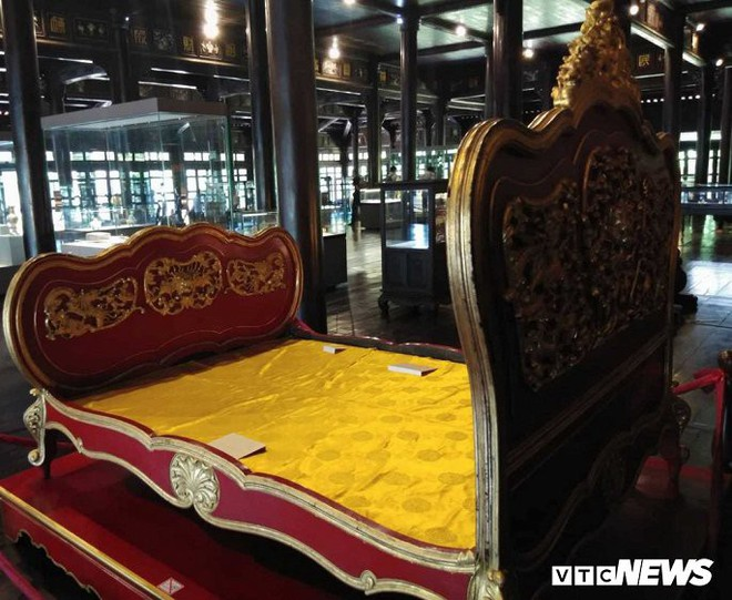 Cận cảnh long sàng dát vàng của vị hoàng đế nhiều tai tiếng bậc nhất triều Nguyễn - Ảnh 2.