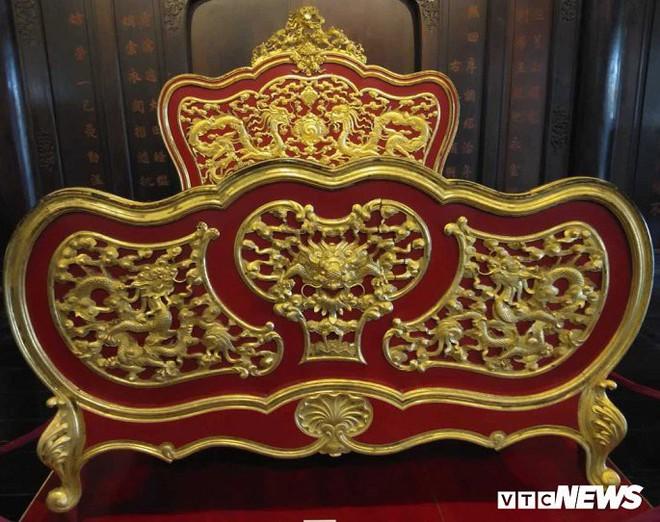 Cận cảnh long sàng dát vàng của vị hoàng đế nhiều tai tiếng bậc nhất triều Nguyễn - Ảnh 3.
