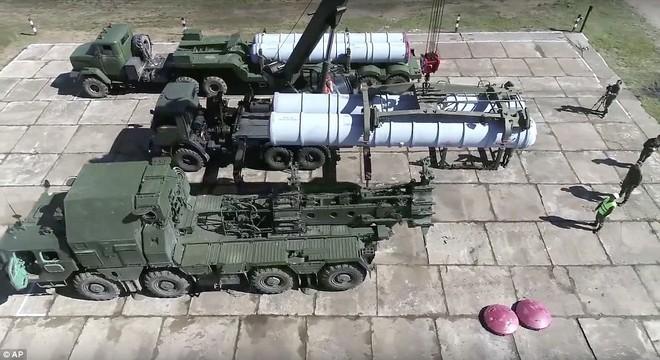 Xem dàn tên lửa Nga khoe sức mạnh uy vũ trong cuộc tập trận lớn nhất lịch sử  - Ảnh 2.