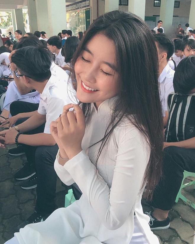 Netizen Hàn khó tính là thế mà vẫn phải khen không ngớt lời những nhan sắc Việt này - Ảnh 6.