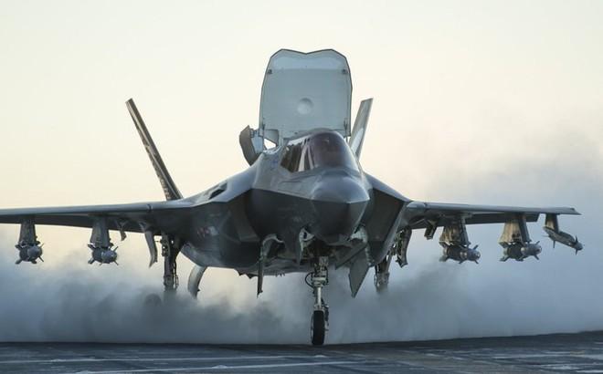 Mỹ điều tàu sân bay chở đầy tiêm kích F-35 áp sát Syria, Trung Đông dậy sóng!